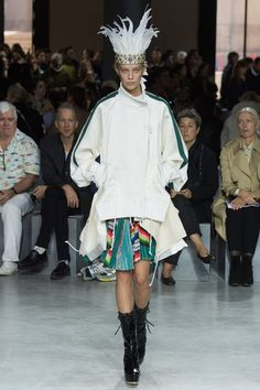 View the complete Sacai Spring 2017 collection from Paris Fashion Week.