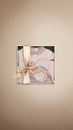 New Born Bodysuit Gift Set   Burberry