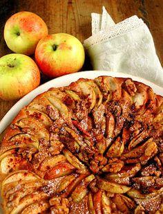 Ise tehtud. Hästi tehtud.: Mõnus kodune õunakook Kreeka pähklitega