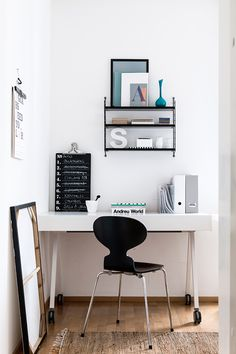 String Pocket by Nils Strinning from String Furniture and Ant chair by Arne Jacobsen from Fritz Hansen   at home with suvi-maria silvola. / sfgirlbybay