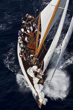 HALLOWEEN, Length: 25.25, Boat Type: COTRE MARCONI, Shipyard: WILIAM FIFE