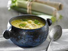 Porree-Suppe mit Basilikum ist ein Rezept mit frischen Zutaten aus der Kategorie Gemüsesuppe. Probieren Sie dieses und weitere Rezepte von EAT SMARTER!