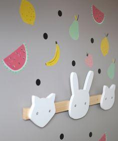 Ideas para decorar la pared de la habitación infantil http://www.mamidecora.com/habitaciones-infantiles-ni%C3%B1a-decorada-con-frutas.html