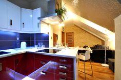 Kuchnia otwarta na salon.