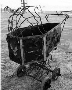 This is the most badass carriage Ive ever seen The Pagan Poppet halloween casket Gothic Baby, Baby Bats, Goth Home Decor, Baby Buggy, Gothic Furniture, Steampunk, Gothic House, Baby Carriage, Baby Halloween