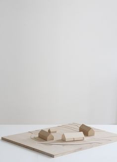 Maquette Architecture, Architecture Model Making, Wood Architecture, Model Building, E Design, Layout Design, Arch Model, Farmhouse Christmas Decor, Scale Models