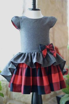Girls Dresses Sewing, Sewing Kids Clothes, Frocks For Girls, Kids Frocks, Little Girl Dresses, Kids Dress Patterns, Baby Clothes Patterns, Baby Dress Design, Kids Gown