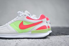 NIKE AIR PEGASUS RACER (HOT LIME/SOLAR RED)