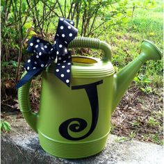 Here's a pretty idea for a vinyl monogram .... :)
