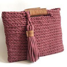 #sabenco #creative #creatief #handmade #leather #leer #craft #handcrafted #bag #tas #design #designer #handwerk #haken #hakeniship #crochet #crochetaddict #crochetersofinstagram
