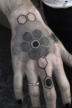 These People Got Utterly Amazing Blackwork Tattoos