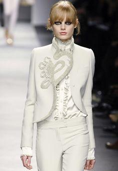 White Wedding Pant Suits - Ivory Matador-Style Suit by Givenchy Estilo Fashion, Hijab Fashion, Fashion Dresses, Wedding Pantsuit, Wedding Attire, Wedding Dress, Fashion Week Paris, Hijab Stile, Givenchy