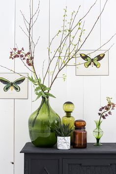 barefootstyling.com Rec vase from House Doctor. GREEN IS THE NEW BLACK! @WONENMETLEF.NL