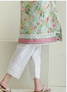 Lace design Simple Pakistani Dresses, Pakistani Fashion Casual, Pakistani Bridal Wear, Pakistani Dress Design, Simple Dresses, Casual Dresses, Tunic Designs, Kurta Designs Women, Dress Neck Designs
