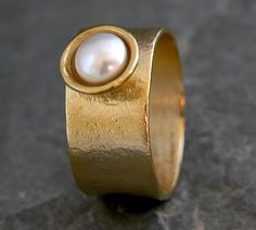 Classic Pearl Ring,Gold Pearl Ring,Mabe Pearl Ring.
