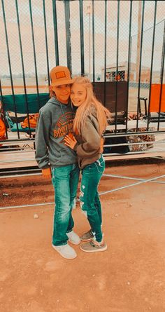 Cute Country Couples, Country Girls Outfits, Cute Couples Photos, Cute N Country, Cute Couple Pictures, Cute Couples Goals, Couple Photos, Couple Goals Relationships, Relationship Goals Pictures