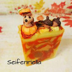 """Gefällt 70 Mal, 6 Kommentare - Seifenriella (@seifenriella) auf Instagram: """"Igel im Kürbis (Herbst-Seife) 🍁🍊🍂 #soap #autumn🍁 #seifenliebe #pflegend #wissenwasdrinist…"""" Pudding, Desserts, Instagram, Food, Hedgehog, Autumn, Tailgate Desserts, Deserts, Custard Pudding"""