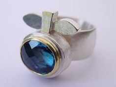 Unsere Ringe gestalten wir aus Gold, Silber, Platin, Perlen und Edelsteine. | Goldschmiede Lippmann: Individueller Schmuck aus Schwabach bei Nürnberg