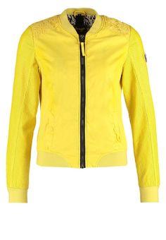 Mit dieser Jacke bist du cool und feminin. Maze MARILAO - Übergangsjacke - light yellow für 104,95 € (27.03.16) versandkostenfrei bei Zalando bestellen.