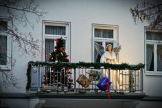 Christmas balcony decor ideas 35 awesome balcony design ideas christmas lights balcony ideas patios dressed for christmas geous outdoor christmas decorations Apartment Balcony Christmas Decorating Ideas Cool Christmas Balcony …