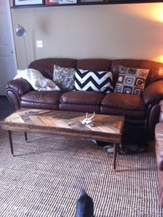 Reclaimed wood coffee table. Someone needs to make this for me.
