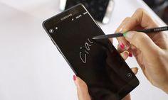 Samsung si arrende: il Note 7 non sarà più prodotto http://www.sapereweb.it/samsung-si-arrende-il-note-7-non-sara-piu-prodotto/        Foto: Milo Sciaky / Around Gallery Stop alle vendite, e anche alla produzione: è l'ultima, drastica soluzione cheSamsung ha deciso di adottare per correre ai ripari dopo l'ultimo capitolo della saga dei Galaxy Note 7 incendiari. A mettere fine alla vicenda non è bastato il costoso ritir...