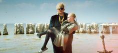 """Grimes estrena el vídeo de """"Go"""" con Blood Diamonds"""