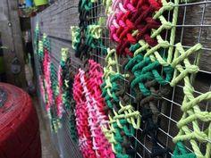 Cross-Stitch Street Art In Spain by Raquel Rodrigo Cross Stitch Art, Cross Stitch Flowers, Cross Stitching, Cross Stitch Embroidery, Cross Stitch Patterns, Diy Embroidery, Embroidery Patterns, Mural Floral, Flower Mural