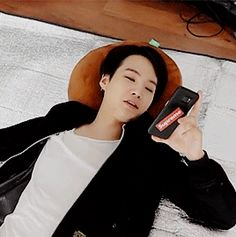Yoongi done with the world. 4/4 //// How can someone look so dreamy just by laying on the floor??? ><