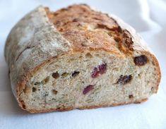 limpa russin tranbär pumpa Bakers Gonna Bake, Breakfast Snacks, Stromboli, Dutch Oven, Yummy Treats, Food And Drink, Tasty, Bread, Dessert