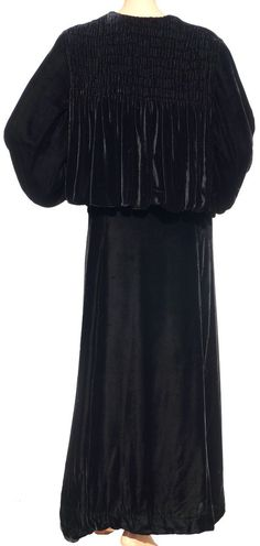Age: 1930s Color: Black Materials: Silk Velvet, Rayon Satin Lining Sizing: There is no size label, but please rely on the following measurements for fit, taking the thickness of the fabric and style o