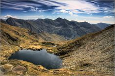 muntii fagaras - lacul Capra Visit Romania, Beautiful Places In The World, The More You Know, Bucharest, Old City, Capital City, First World, Tourism, Old Things