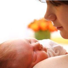 Les coliques du nourrisson sont très fréquentes et impressionnantes ! Les solutions pour les soulager.