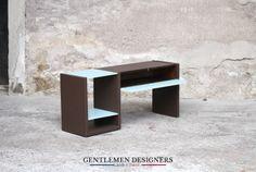 PETIT MEUBLE D'APPOINT VINTAGE RELOOKÉ, MARRON ET BLEU http://www.gentlemen-designers.fr