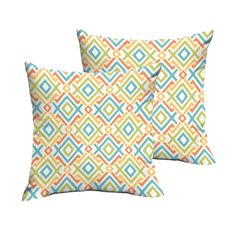 This pillow adds exceptional comfort and dramatic style to your patio, living room, family room, or your favorite seat. Features stain and fade resistant fabric trimmed with with knife edging.