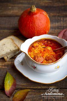 Paprika sladká maďarská Paprika patří mezi základní jednodruhová koření a neobejde se bez ní prakticky žádná kuchyně. Naše paprika sladká maďarská má ...