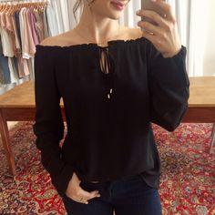 blusa ombro a ombro crepe preta