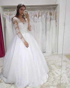 Vestido lindoooooo da nossa parceira @ateliergessicalima . Os vestidos são feitos sob medida e enviados para todo Brasil! . Valor: R$1.50000 R$15000 armação . Dúvidas: (44) 98857-4681 . Veja mais modelos no ig do @ateliergessicalima . #universodasnoivas #noiva #weddings #wedding #weddingday #weddingdress #casamento #casamentos #vestido #vestidos #vestidodenoiva #madrinha #evento #make #maquiagem #penteado #vestido Wedding Wedding Day Wedding Dress Weddings Planner Your Big Day