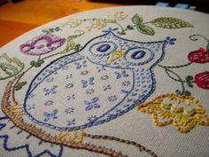 Owl (by ckdalton) Shabby Chic Embroidery, Owl Embroidery, Cross Stitch Embroidery, Embroidery Patterns, Learning To Embroider, Owl Bird, Wool Applique, Crafty Craft, Cross Stitching