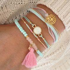 Bracelets in Mint Schmuck im Wert von mindestens g e s c h e n k t… Cute Jewelry, Jewelry Crafts, Beaded Jewelry, Jewelry Box, Jewelry Bracelets, Jewelery, Jewelry Accessories, Fashion Accessories, Handmade Jewelry