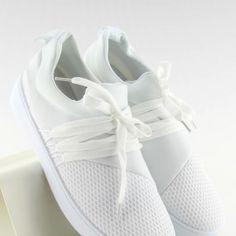 Jednoduché biele dámske tenisky so šnúrovaním2 Adidas Sneakers, Sport, Fashion, Moda, Deporte, Fashion Styles, Sports, Fashion Illustrations