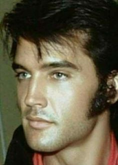 Always, Forever Elvis Elvis And Priscilla, Lisa Marie Presley, Vintage Hollywood, Classic Hollywood, Elvis Presley Pictures, Elvis Presley Young, Young Elvis, Graceland, Gorgeous Men