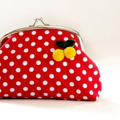 Polka Dots Frame Coin Pouch in Red par wildolivestudio sur Etsy
