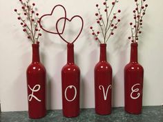 Phenomenal Easy DIY Valentine Gift Ideas For Your Beloved People Yay! Finally, Valentine's Day will arrive soon. A day to be filled with love and happiness. The most common thing to do is to send a Happy Valentine's. Valentines Day Wine, Valentines Day Decorations, Valentine Day Crafts, Holiday Crafts, Diy Valentine's Day Decorations, Valentinstag Party, Wine Craft, Wine Bottle Crafts, Decoration St Valentin