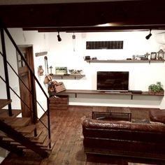 KOMAさんの、My Shelf,シンプル,インダストリアル,レザーソファー,アイアン棚受け,journal standard Furniture,木とアイアン,インスタやってます!についての部屋写真