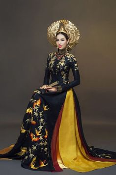 Vietnamese Traditional Dress, Vietnamese Dress, Traditional Dresses, Traditional Fashion, Ethnic Fashion, Asian Fashion, Womens Fashion, Runway Fashion, Fashion Trends