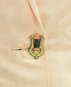 Schiaparelli music button....love...