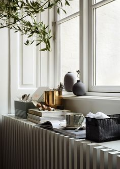 The first of the Spring 2017 campaign imagery from H&M Home  has been released this week and it is beautiful! Definitely my favourite yet, a...