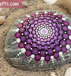 DIY mandala stones - stone painting / Mindy - creative craft ideas for everyday Create Your Own Website, Garden Pots, Garden Ideas, Stone Art, Creative Crafts, Stone Painting, Diy Art, Organic Gardening, Zentangle