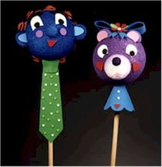 You can make these Giant Stick Puppets as fantastic as you want, just use your imagination to create aliens, dragons, or whatever you can dream up. When yo Styrofoam Crafts, Styrofoam Head, Glue Crafts, Toddler Arts And Crafts, Crafts For Kids, Projects For Kids, Craft Projects, Craft Ideas, Puppetry Arts